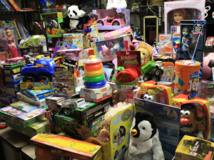 How to Run a Successful Apartment Community Toy Drive and Help with Employee Retention in 3 Steps!